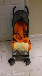 MacLaren Stroller with foot muff